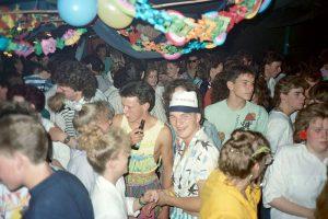 Lees meer over het artikel Feest – Tropical Party