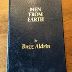 Men from earth – 2005 [Gesigneerd]