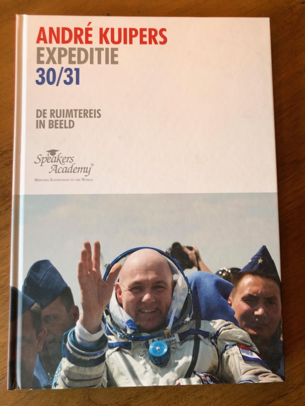 Je bekijkt nu Expeditie 30/31, 2012 [Gesigneerd]